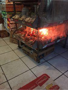 Kückenverkauf in Latacunga auf offener Straße